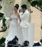 独家组图:大S婚礼现场激动落泪汪小菲拥抱