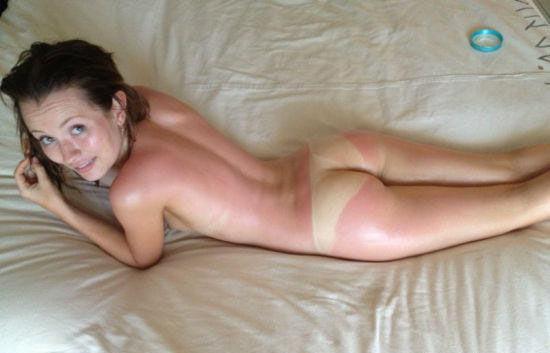 艾米丽-布朗宁裸照遭黑客盗取外泄