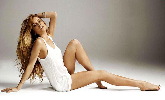 组图:林赛罗韩代言惹争议搔首弄姿秀性感美腿