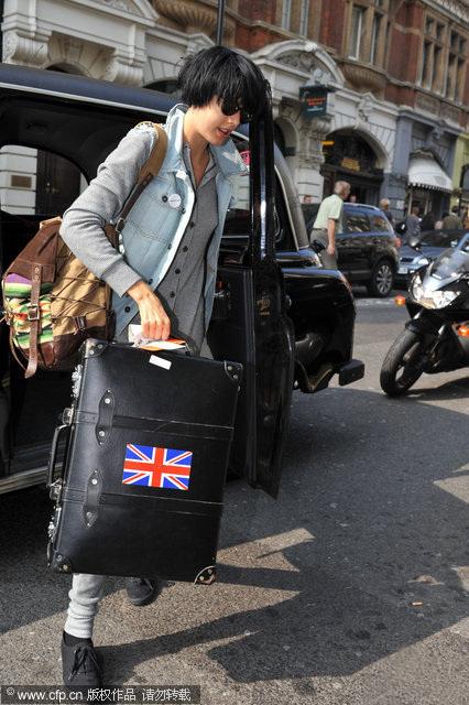 阿格妮丝手提行李箱