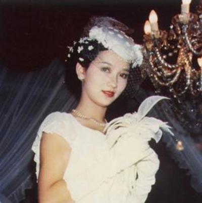 资料:香港小姐之最--最长青的赵雅芝