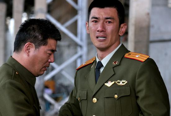 任天野微博爆《特种兵》剧照 硬汉也有流泪时图片
