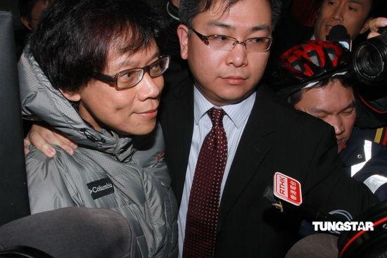 陈志云等人尚未被起诉私人助理被带离廉署总部