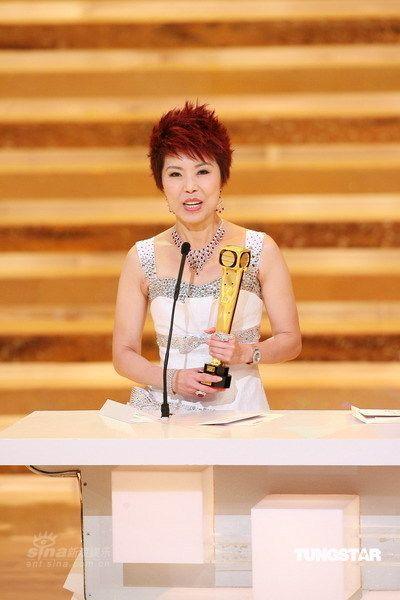 图文:关菊英凭《溏心风暴》我最喜爱的女角色