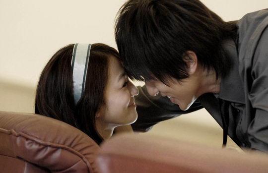 吴尊张韶涵热吻《公主小妹》周日大结局(组图)