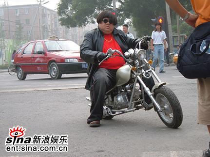 魔幻手机李滨与&quot猪八戒&quot拼甘拜风