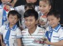 邓超鼓励加油小选手