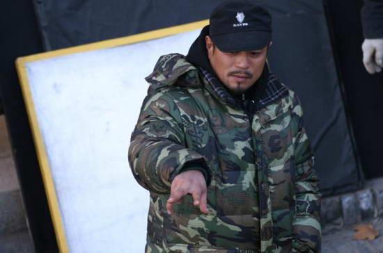 王滨带病坚持拍摄《北大荒》片场畅谈演员表现