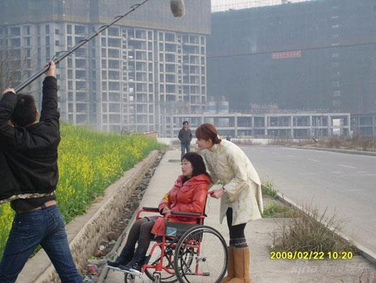 《512中国爱》林志玲袁泉携手为龚天秀圆梦(图)