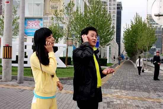 《青春》话题说不完王珞丹:赵宝刚镜头后成长