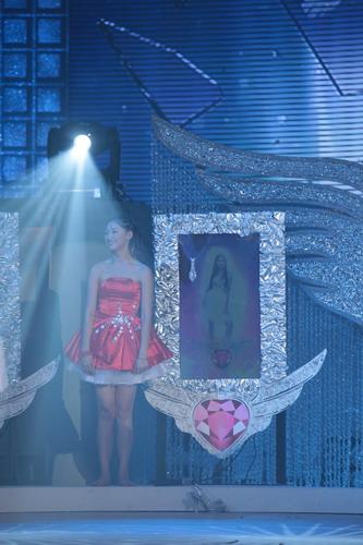 天使舞台残酷不失温馨金珠卓玛现场过生日(图)