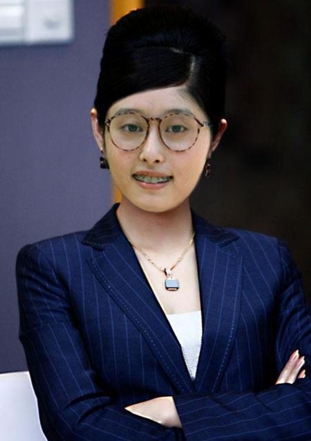丑女贝蒂变艳装OL影迷PS李欣汝<b><a href='http://www.make-dress.com.cn'>职业装</a></b>