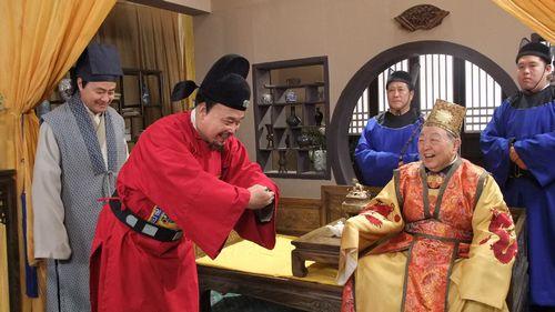 唐杰忠出演《老爷升堂》饰演八王爷只为相声