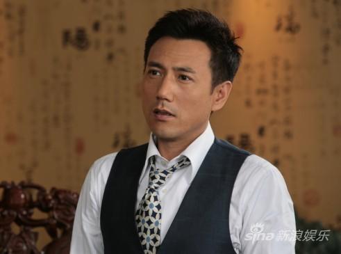海润旗下的青年演员李雨泽,在剧中饰演成功男人