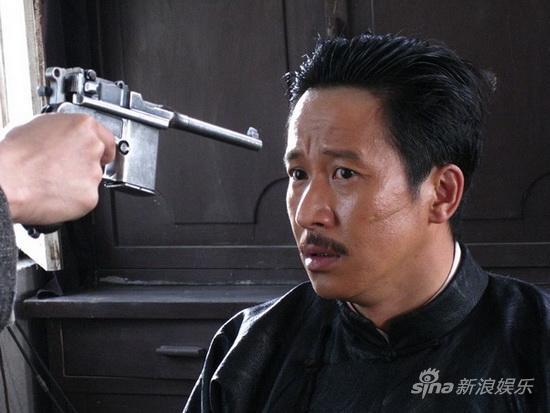 张国强再演年代戏《大掌柜》留刀疤破相(图)