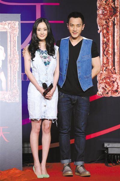 发着烧的杨幂与男友刘恺威一起现身宣传新剧. 本报记者 郭延冰 摄-