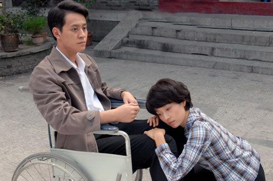 秦俊杰饰演的尹南方为爱致残,马伊�P愧疚终身