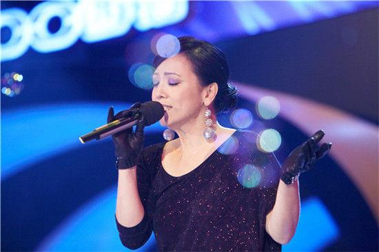 邓萃雯献唱《我和春天有个约会》