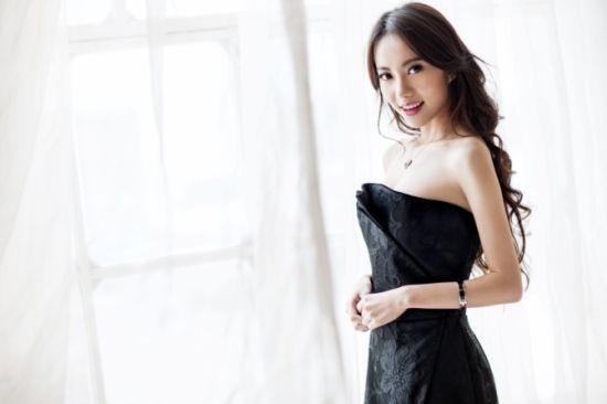 刘萌萌《爱情4》变身女主播妆容受追捧