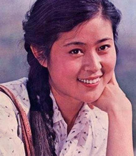 倪萍20岁的纯美照片
