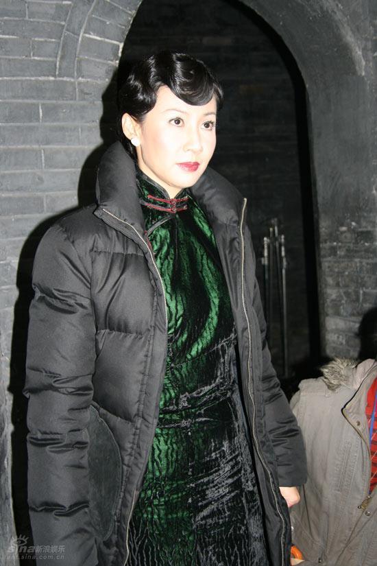 丝袜美女美穴_本剧是根据作家苏童的小说《米》和贾平凹的小说《五魁》,《美穴地》