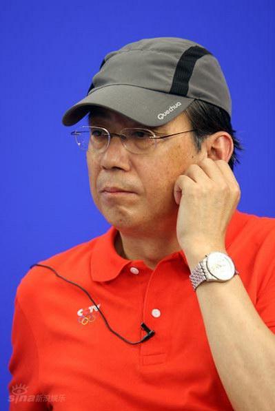 图文:《东方朔》主创聊天--导演彦小追摸耳朵