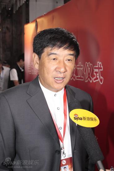 图文:导演委员会成立--金韬导演接受采访