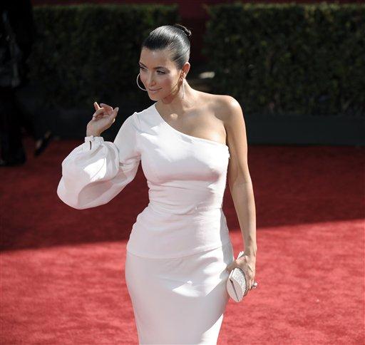 模特:艾美奖红毯--表情金-卡戴珊性感登场图文包性爱性感孕妇图片