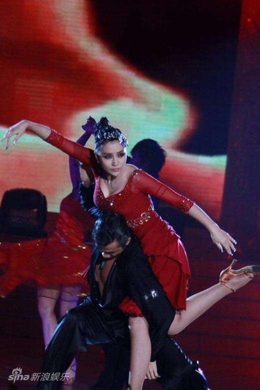 图文:2010舞林盛典--妖娆阿朵