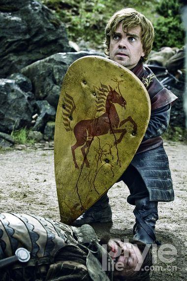 """""""小恶魔""""提利昂・兰尼斯特身材矮小,玩世不恭,却有智慧头脑。"""