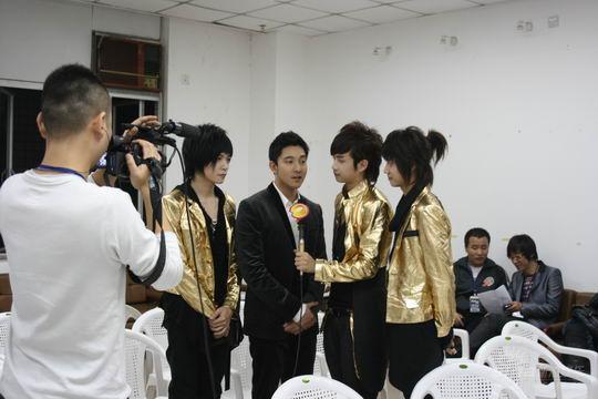 至上励合颁奖后台变记者多次欲访SJ-M遭拒