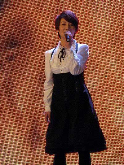 点歌费仅十元超女PK王巩贺称天娱让她很伤心