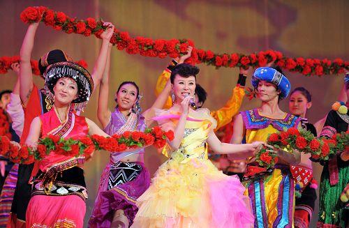 祖海演唱会高潮迭起观众同唱《为了谁》
