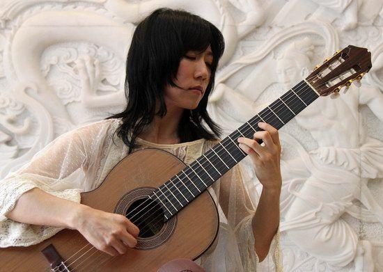 著名吉他演奏家杨雪霏