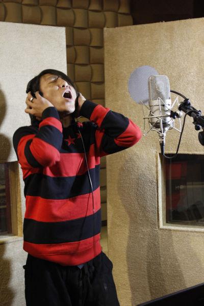 陈羽凡录制新歌《在一起》