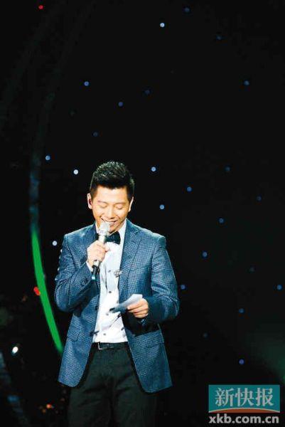 《我是歌手》主持人胡海泉