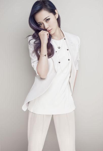 新浪娱乐讯 张靓颖第七张中文专辑《第七感》进入倒计时.