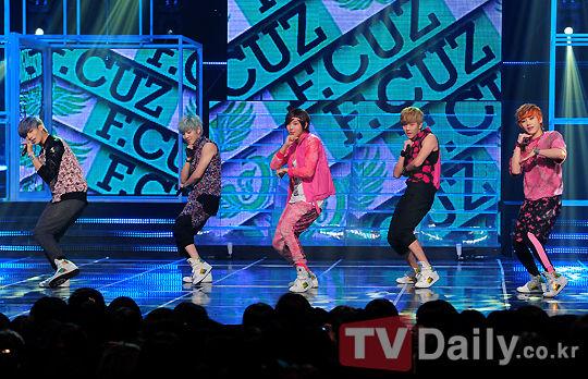 韩男团排行_韩男团成员5月排名,EXO无人上榜被嘲过气,Highlight黑马空降