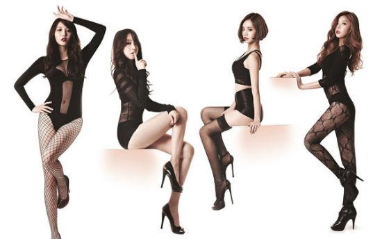 女团Girl1s Day路线越变越性感,服装裸露度也变高。