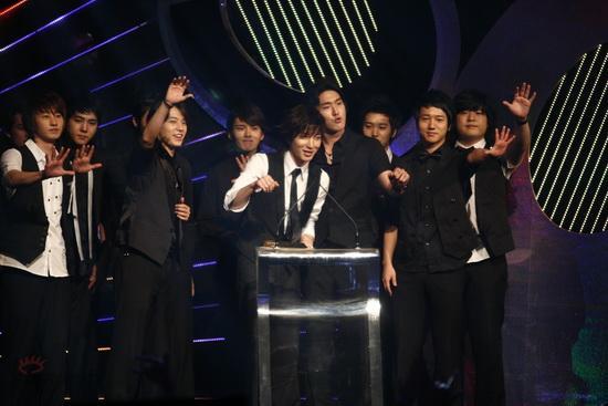 图文:MTV亚洲大奖颁奖礼-SuperJunior发表感言