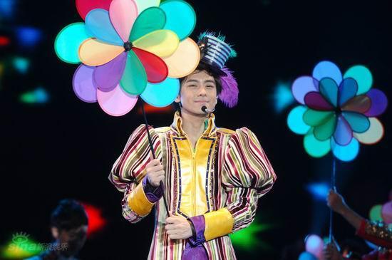 图文:林志颖上海开唱--不改顽皮本色