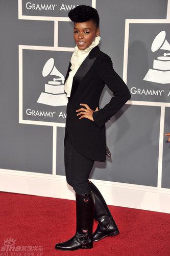 图文:格莱美颁奖礼红毯-女歌手JanelleMonae