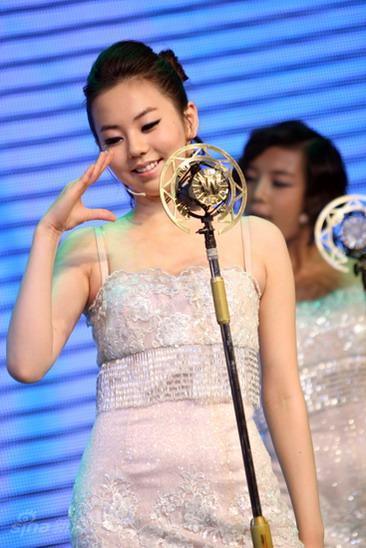 图文:wonder girls北京歌会--昭熙舞蹈可爱