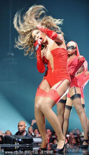 图文:2009MTV欧洲音乐大奖--碧昂斯狂野台风