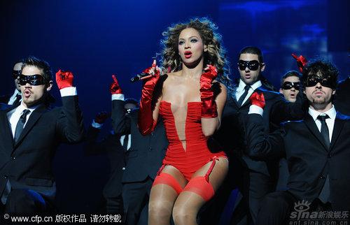 图文:2009MTV欧洲音乐大奖--碧昂斯让男人疯狂
