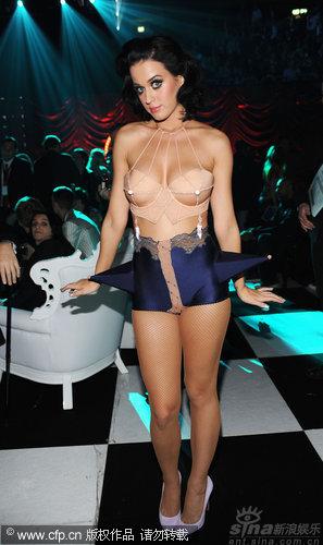 图文:2009MTV欧洲音乐大奖--凯蒂佩里撩人装扮