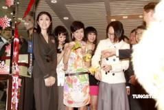 组图:陈慧琳出席珠宝店开幕式为儿子买钻石