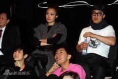 组图:Big4香港开唱郑秀文友情现身做嘉宾