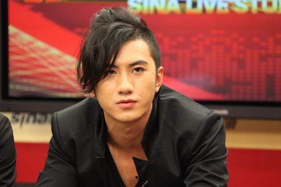 -肖顺尧超酷发型