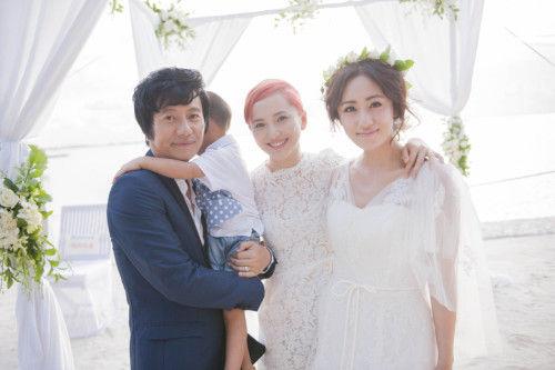 郑钧刘云带着儿子举行婚礼
